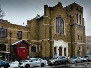 图片 12 风雪中的肯特街 397 号(左边红门为副堂入口)(笑言摄于 2015 年 3 月 21 日)