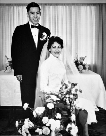 图片 1 廖若轩夫妇珍藏的婚纱照,1959年11月15日摄于温哥华(廖若轩提供)