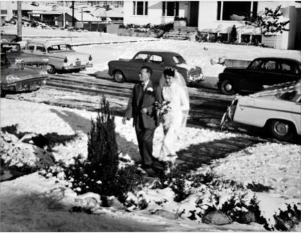 圖片 8 林慧愛輓著父親來到婚禮現場(林慧愛提供)
