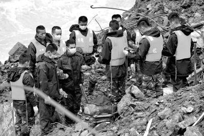 福建泥石流34人遇难4人失联 救援通道全部抢通