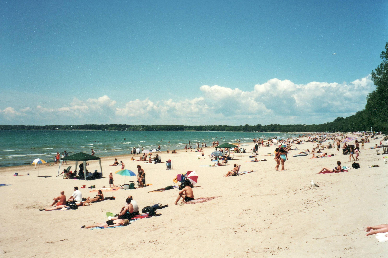 Lake_Ontario_-_Sandbanks_Provincial_Park_2001