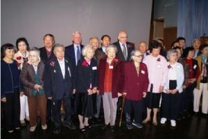 图片 9 盛装出席的老侨(来源:中华会馆网站)