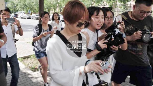 宋喆离婚案开庭 杨慧亮相:如果不爱了 就放手(组图)-新华侨报