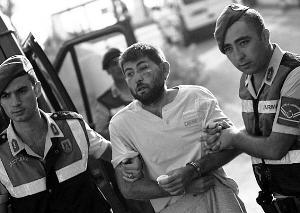 土耳其7000警察封锁美军事基地 防止新一轮政变