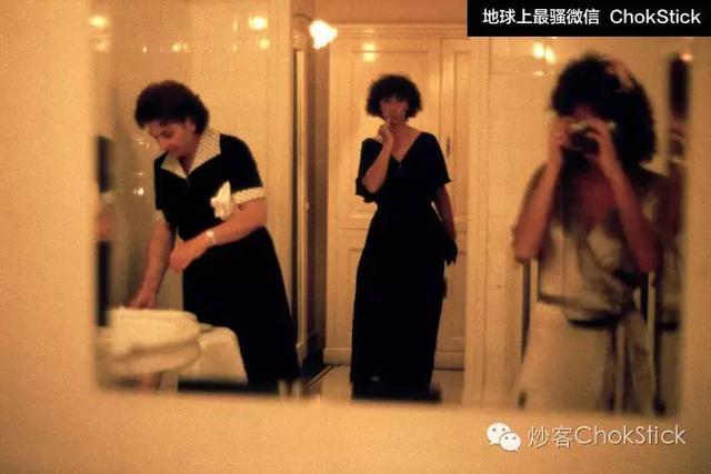 私密夜总会_女厕里都是什么样的?美国摄影师坚持偷拍40年(组图)-新华侨网