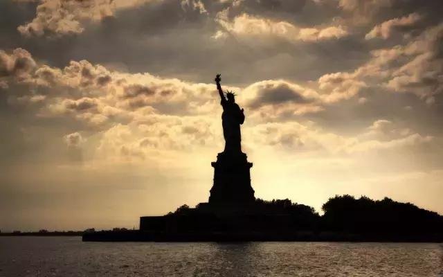 移民真相:每一份自由,都有价码