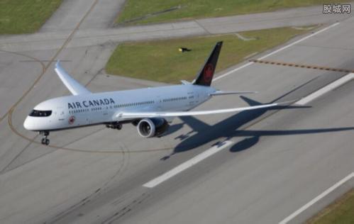 加拿大两客机险酿撞机事故 吓坏众乘客十分惊险